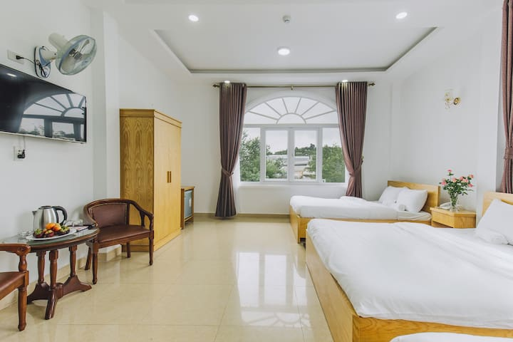 T'RUBY HOTEL – THE MORE THE MERRIER