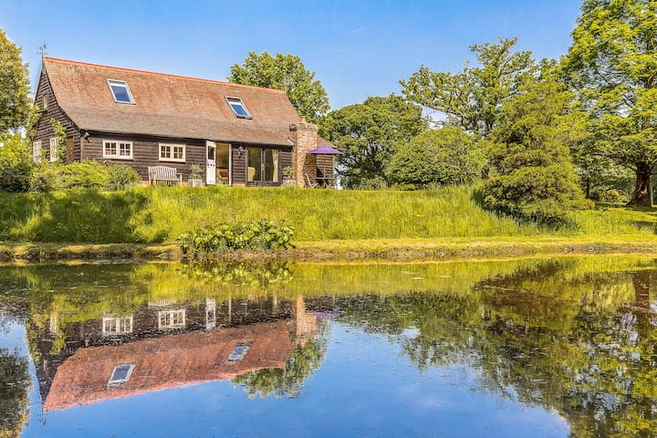 The Duckhouse, Cowden, Kent - Cowden - House