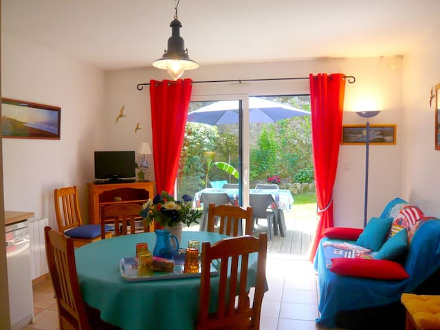 """""""La Coquette"""" adorable maison à 800m de la mer - Plougoumelen - Haus"""
