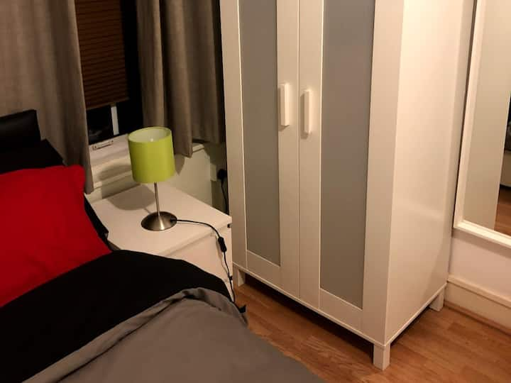 Sole Use of Double Room - Kitchen and Bathroom