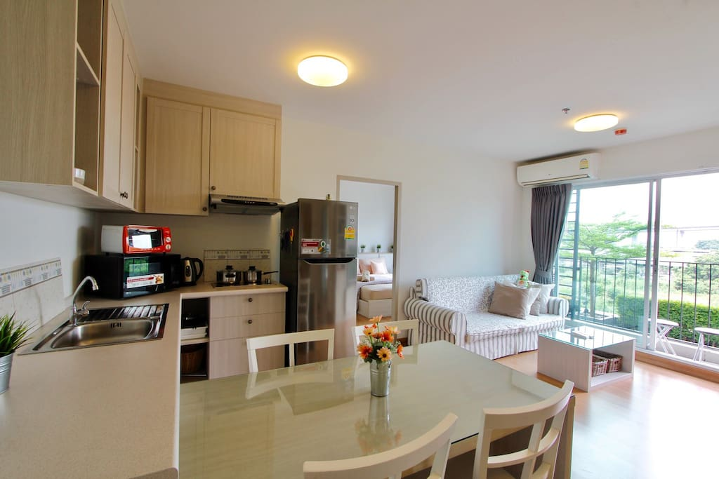 Fully Equipped 2bedrooms, living room and kitchen area at 5th floor