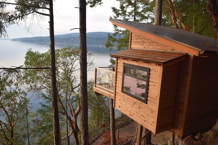 Oceanfront Treehouse