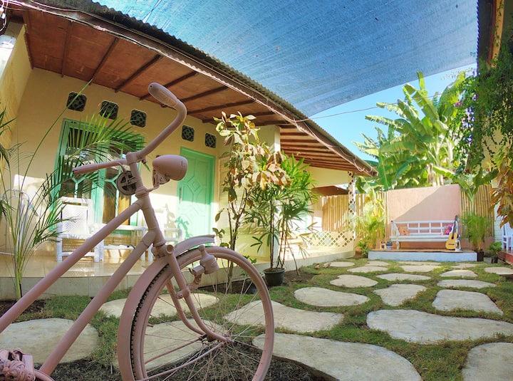 Casa Tropical Gili Trawangan, queen bed, room #3