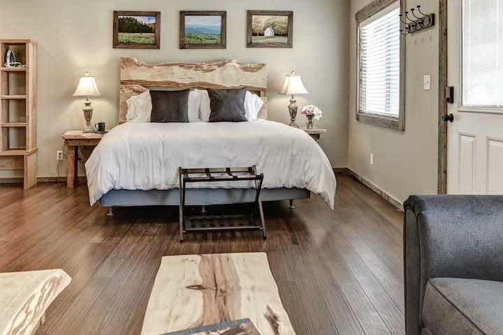 Waynesville, NC Apartment - Serenity Stone