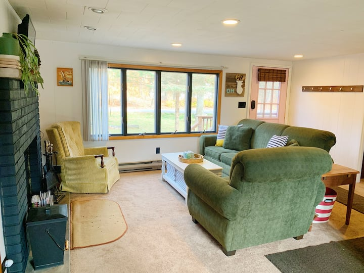 Golden Pines Cabin in Amenity-filled Community!