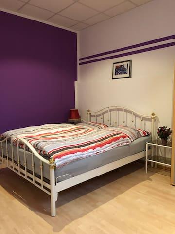 Apartment Harras Souterrain