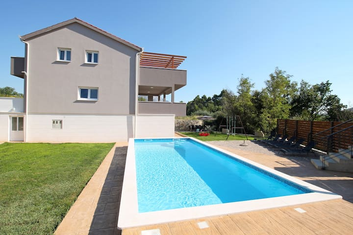 NEW! VILLA JELENA with 4 bedrooms and private pool - Tugare - House
