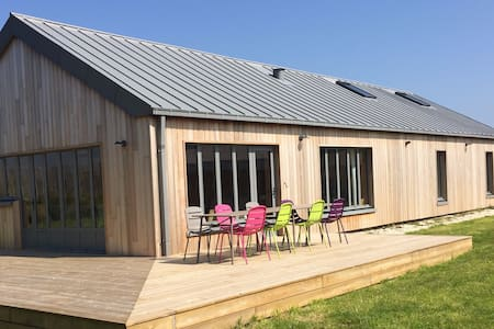 Belle maison en bord de mer dans le Cotentin.
