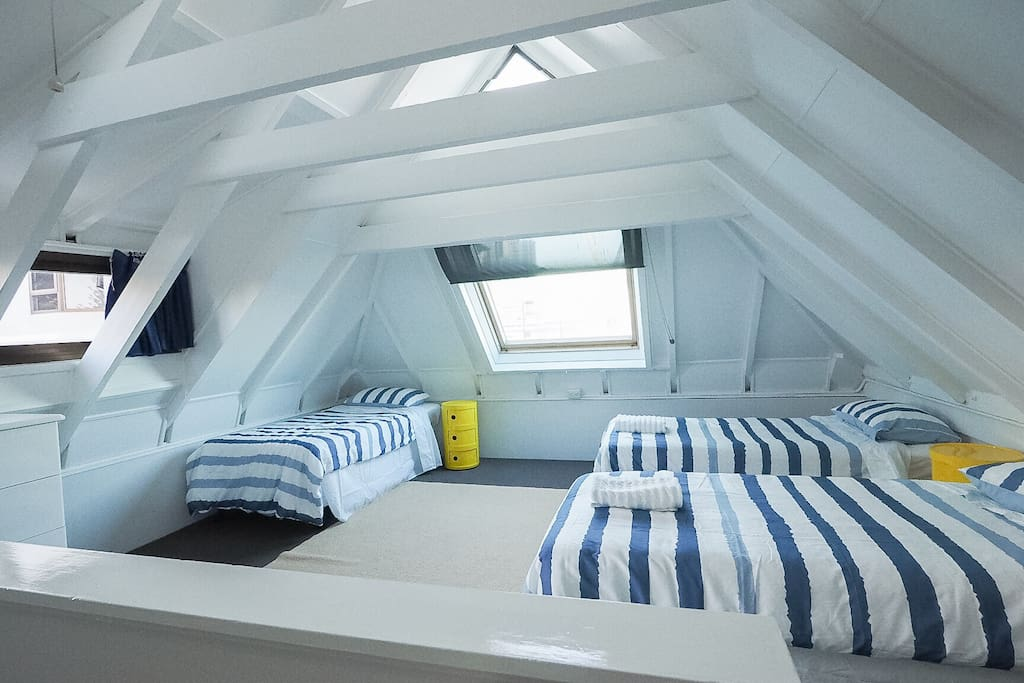 A very large 2nd bed room sleeps up to 6 , perfect for the kids , 3rd level