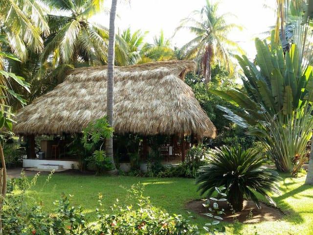 Villa Don Manuel - Zihuatanejo - Bed & Breakfast
