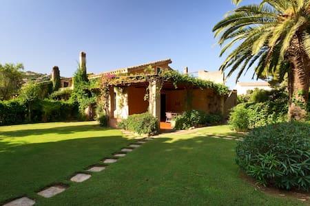Villa con ampio giardino - Sardegna - Maracalagonis
