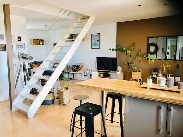 Appart duplex de 100m2 style loft, centre st B