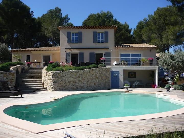Villa climatisée piscine 15MN Aix-en-Provence
