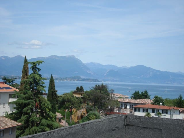 Vista lago zona centrale - Desenzano del Garda - Condomínio