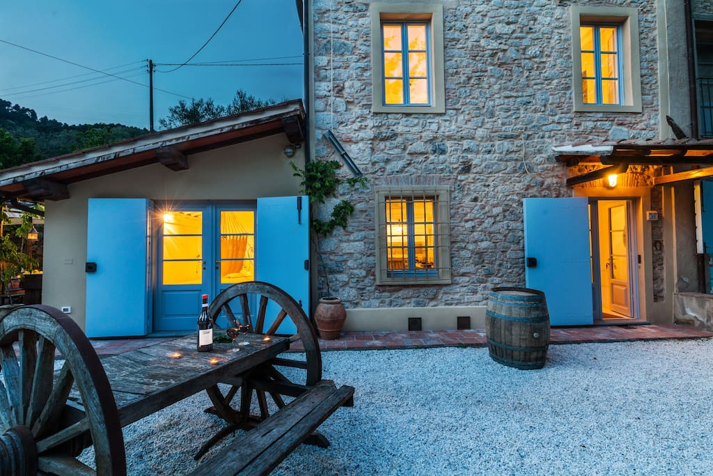 The old stone house tuscany lucca smart appart maisons for Appart maison a louer