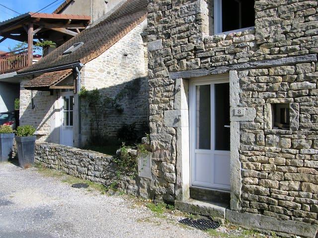 LE JADE - Beaumont-sur-Grosne - House