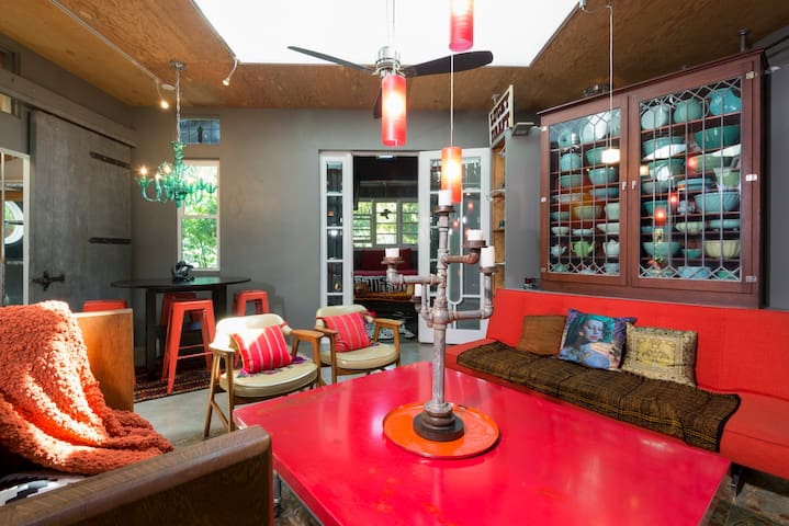 Hip Artist/New York Loft-style Home - East Palo Alto - Maison