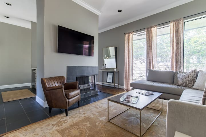 Turtle Creek Pied-à-Terre in Top Dallas Location