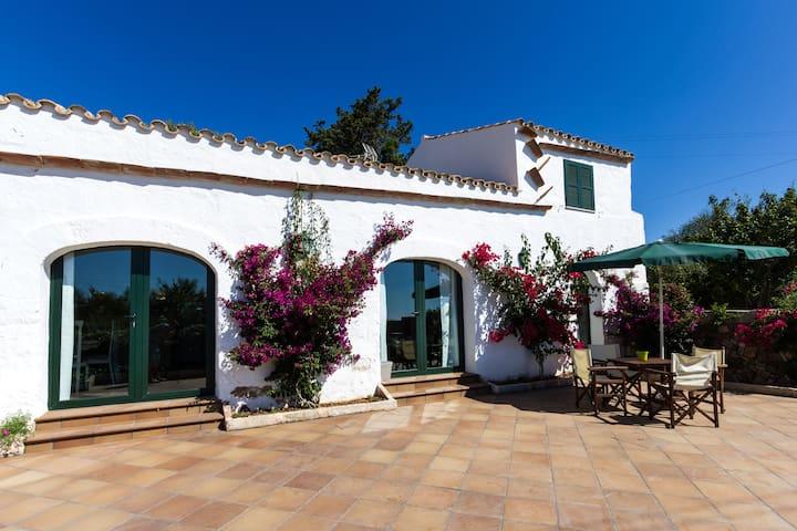 Preciosa casa en el campo menorquín - Mahon - House