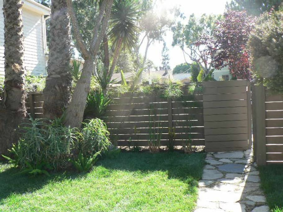 Garden Oasis 2bd In Culver City Apartments For Rent In