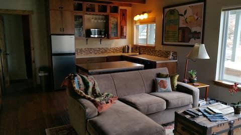 Private waterside cozy suite -