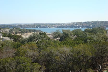 Kamp King Lakeview of Lake Travis - Point Venture - Haus