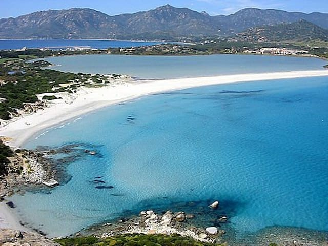 Sardinia Villasimius apartment 2 bedrooms sleeps 4