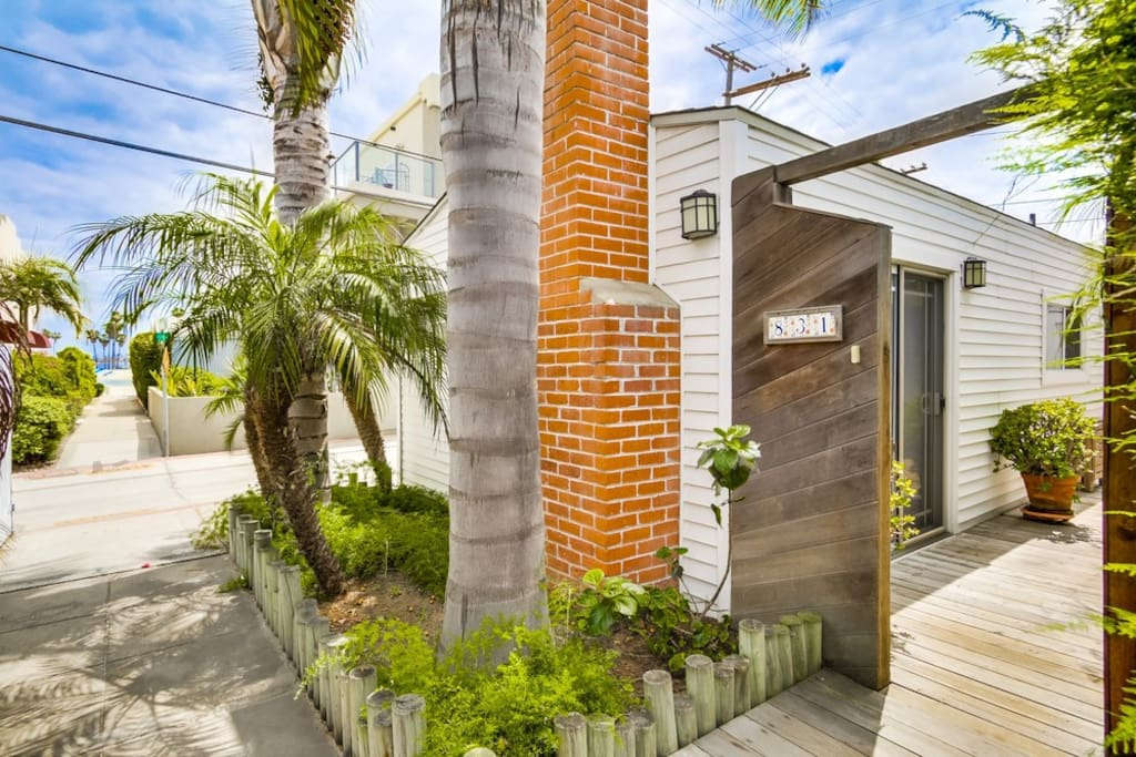 Charming 3 Bedroom Cottage In Mission Beach!