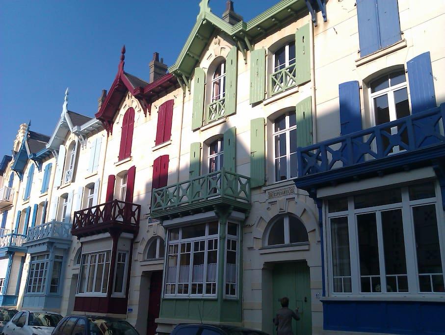 Villa typique 30 m de la plage maisons de ville louer for Maison typique du nord de la france
