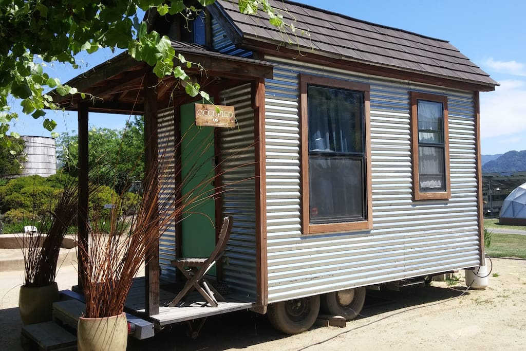 tumbleweed tiny house tiny houses for rent in hopland california united states. Black Bedroom Furniture Sets. Home Design Ideas