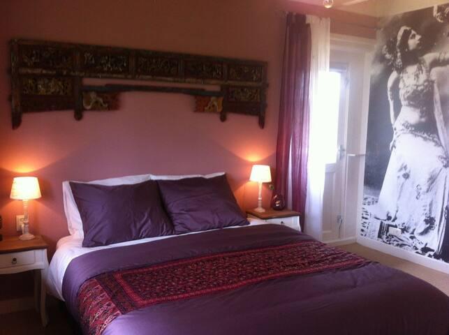 Stay in the Mata Hari room - Warns - Bed & Breakfast