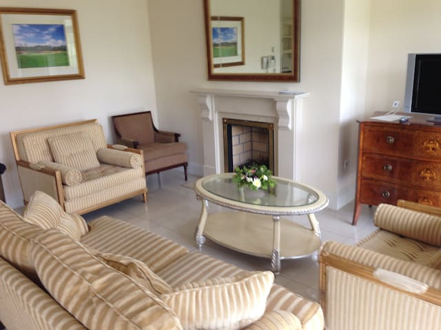 Luxury Apartment in Spa Resort - Portarlington