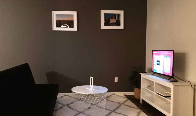 Private 2 BR Apartment - Mins to Arena District!