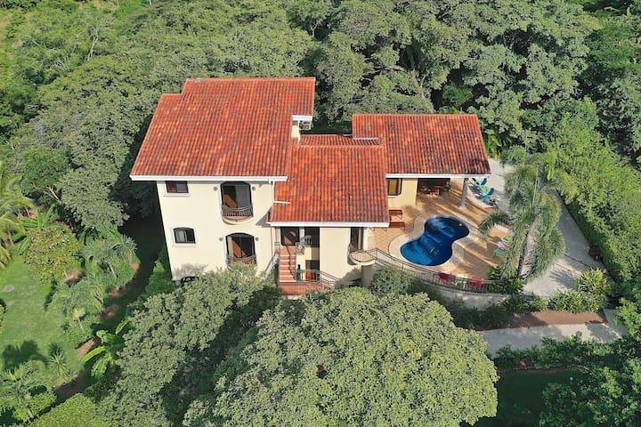 Villa Vino VDP! Beautiful Home Overlooking Pacific Ocean! Private Pool!