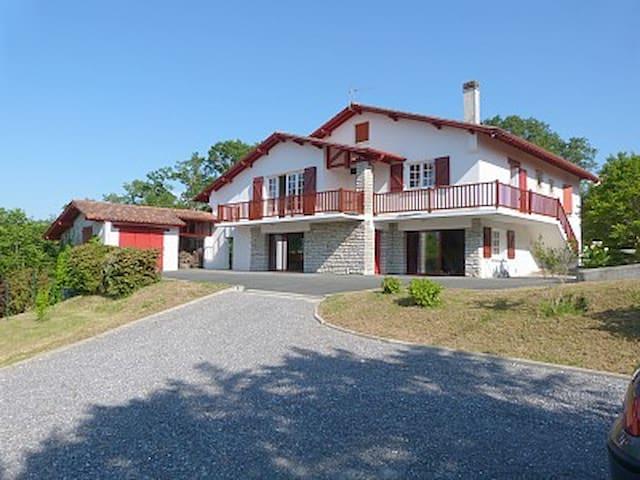 Villa Basque near Bayonne Biarritz - Lahonce - Villa