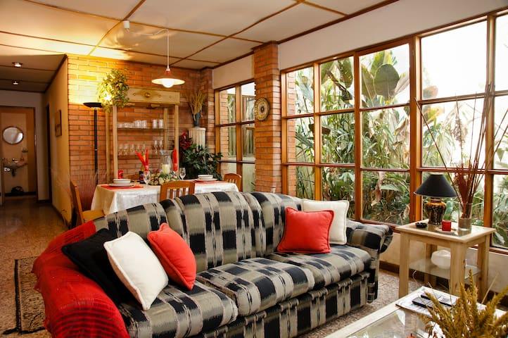 Apartamento amueblado y decorado. - Escazu - Apartment