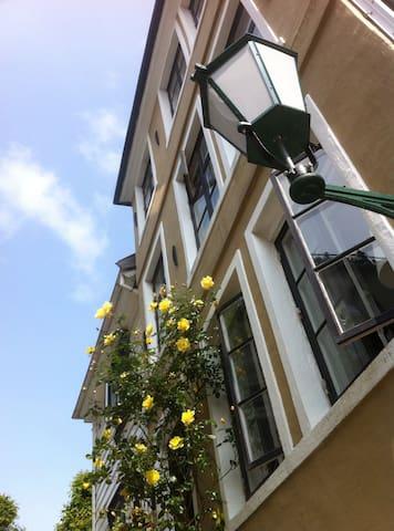 Old charming Bergen house - Bergen - Ev