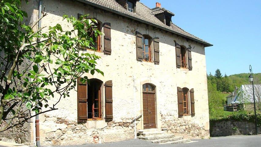 Dans l'ancienne école de fille - Saint-Antoine - Konukevi