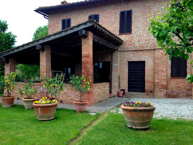 Lovely Tuscan Country House - Siena - Siena - Ev