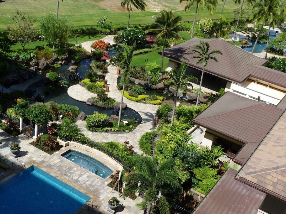 Jacuzzi and gorgeous garden view from 7th floor lanai