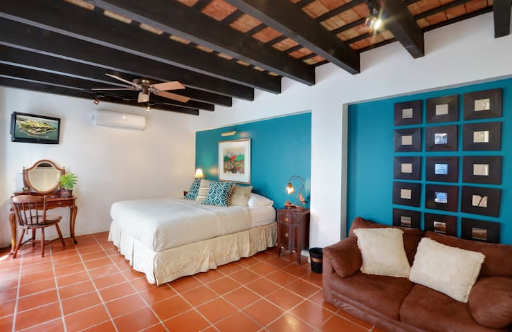 Juana La Loca Luxury Two Bedroom - San Juan - Casa