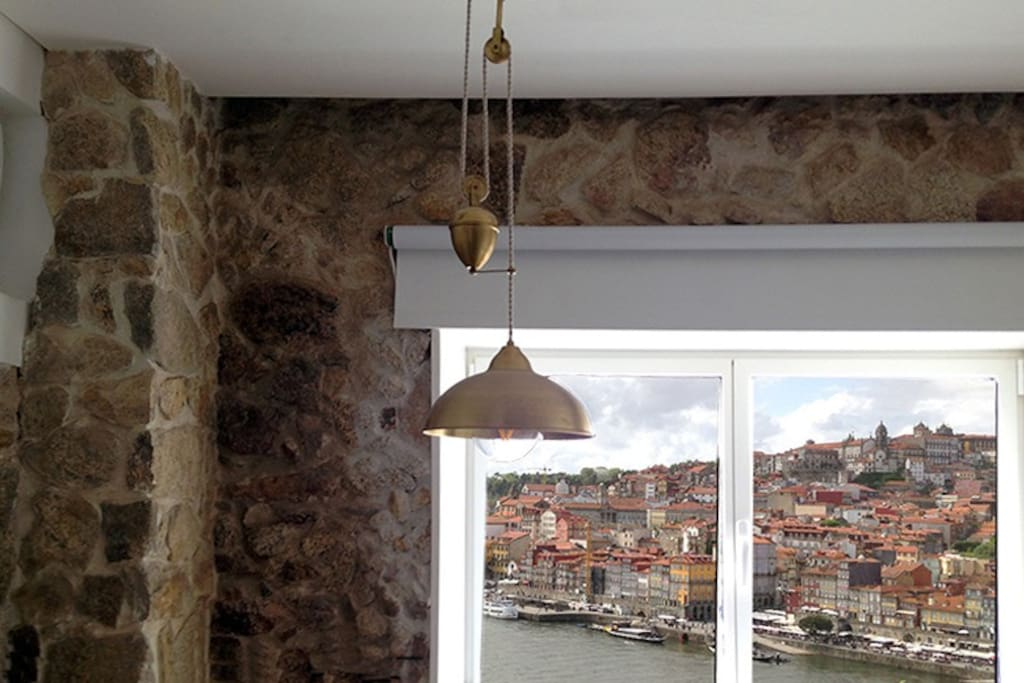 vila nova de gaia single parent personals Most aging takes place in the port lodges of vila nova de gaia, although this ceased to be there is one variation on the single quinta port concept.