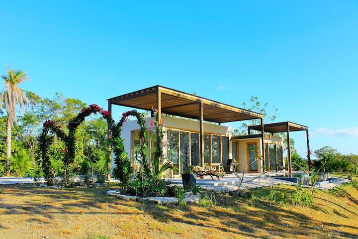 Villa Saxo's Guest House