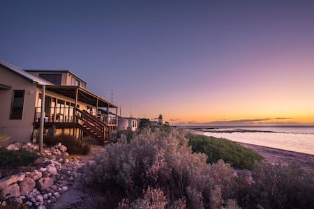 Wilde Retreat Beach House - Hardwicke Bay