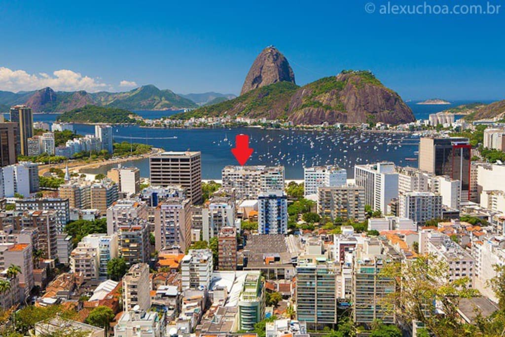 """O """"LOFT PÃO DE AÇÚCAR"""" fica no Edifício Coral, o indicado na imagem."""