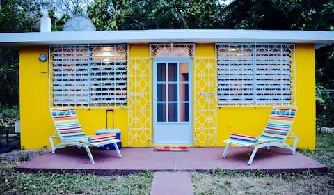 """La Casita Amarilla"" Beach Cottage"