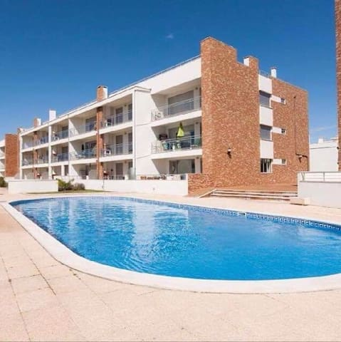 Spot T2 com piscina junto á praia - São Martinho do Porto  - Apartment