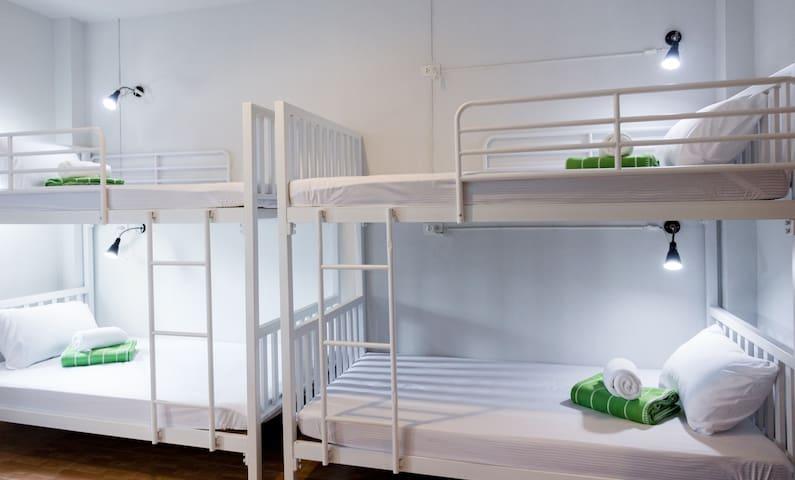 Krabi PITTA NEST 6 : Group bedroom. - ตำบล ปากน้ำ - Chalet