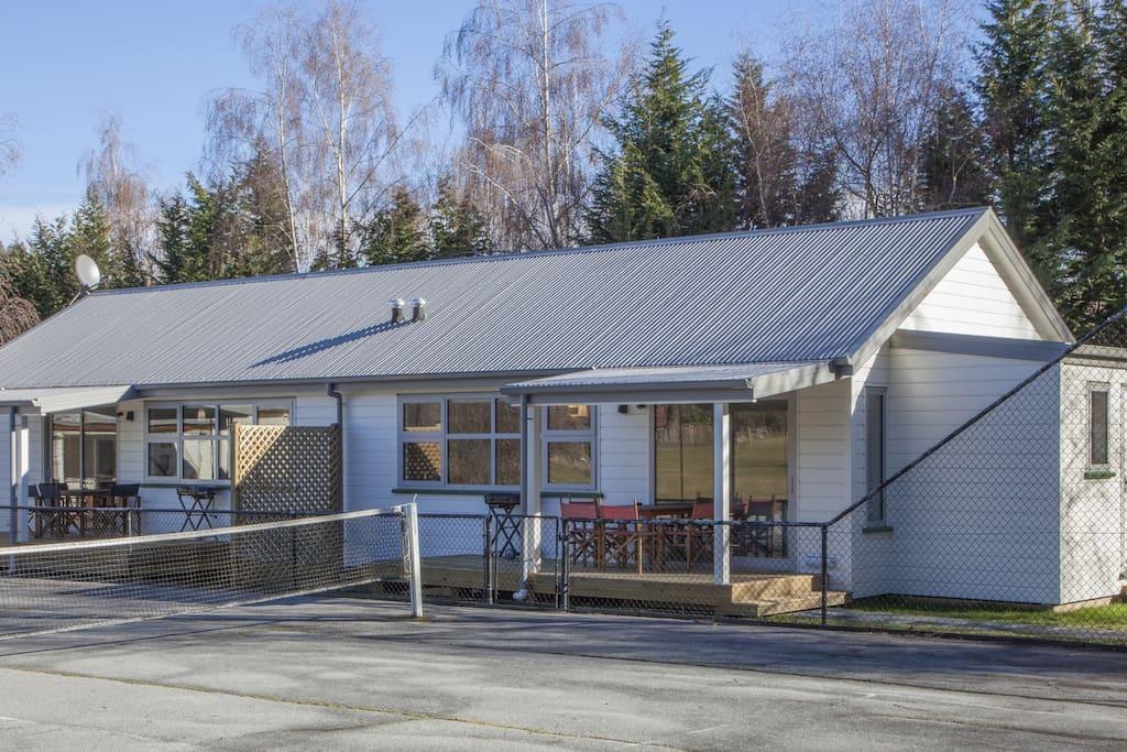 Hideaway Studios at Willowbrook