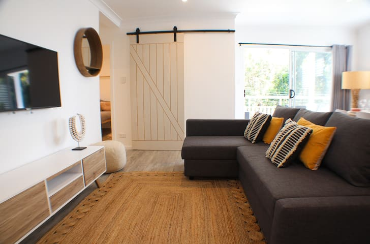 Luxury Chic Cottage  - Close to Manly & Manly Dam